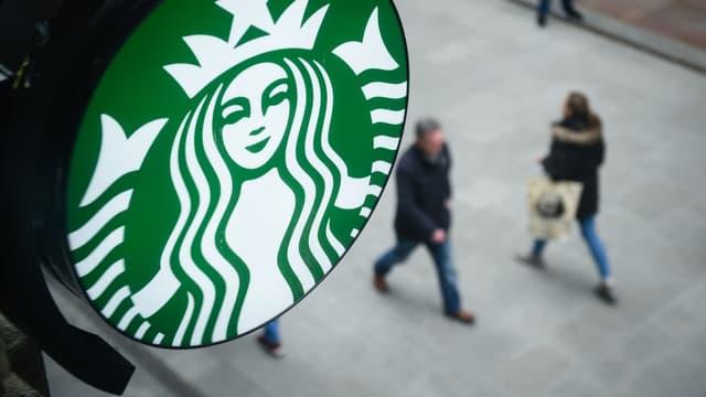 Starbucks utiliserait un système de royalties colossales imposées à ses filiales européennes afin de minorer leurs revenus, et donc leurs impôts.
