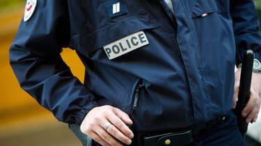 Un agent de police.