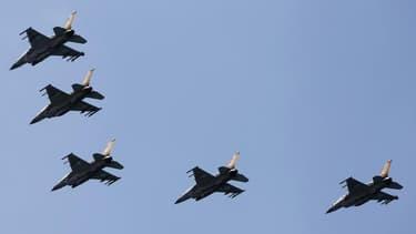L'aviation israélienne a mené cette semaine un raid aérien en Syrie, approuvé par les services de sécurité du Premier ministre Benjamin Netanyahu lors d'une réunion secrète dans la nuit de jeudi, a indiqué samedi une source au Proche-Orient confirmant les