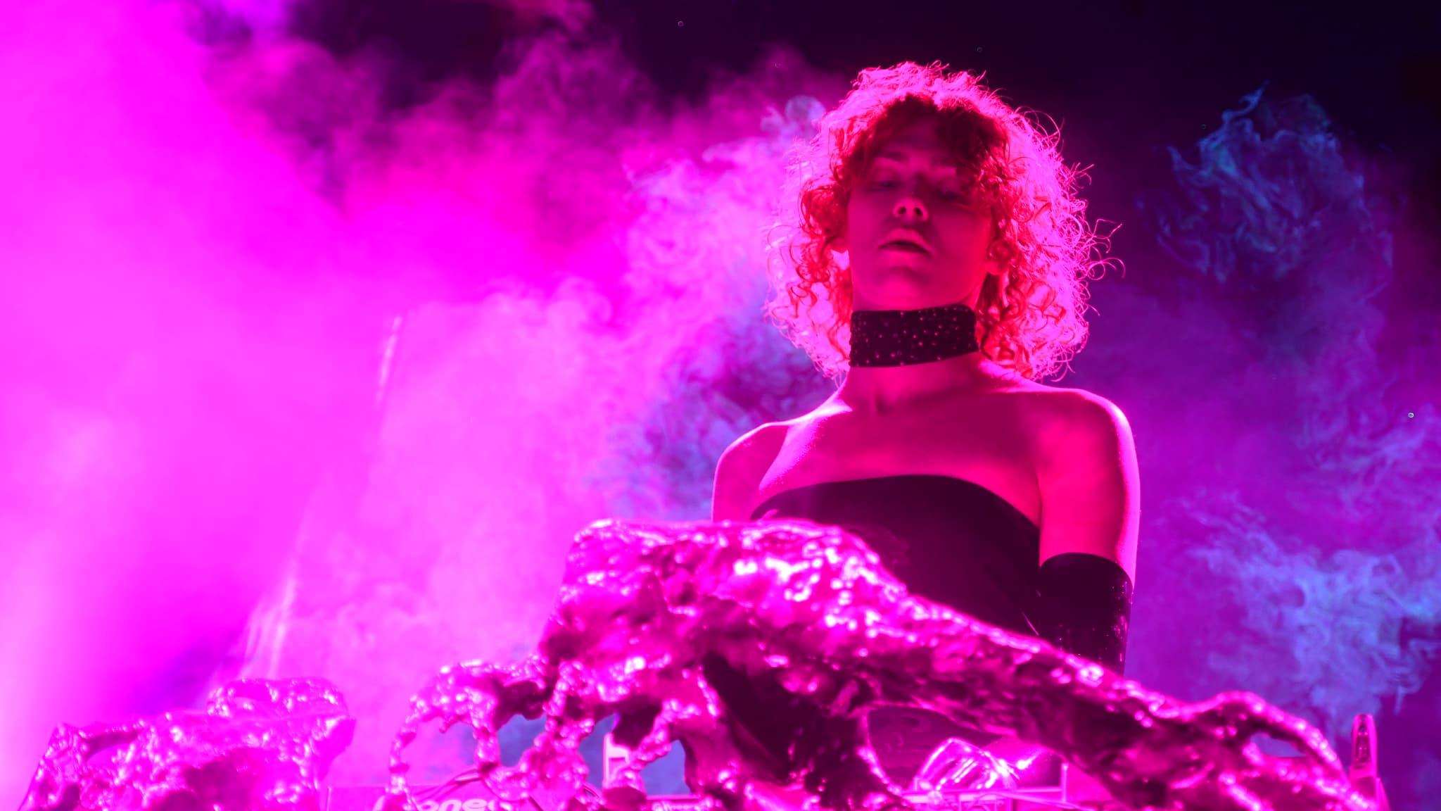 Mort de la chanteuse Sophie: une pétition pour que la Nasa donne son nom à une planète - BFMTV