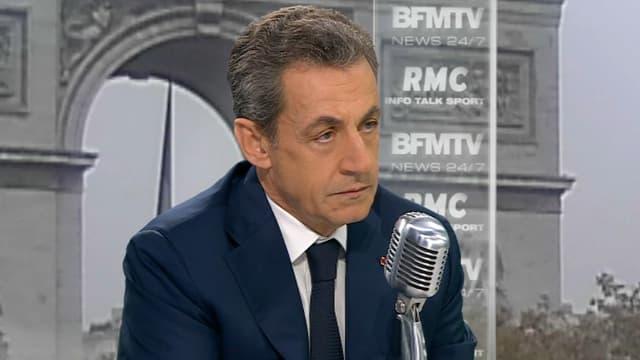 Nicolas Sarkozy ne regrette pas les suppressions de postes de gendarmes et de policiers.