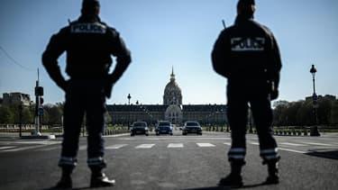 Les deux principaux syndicats de police récusent les propos de Macron sur les contrôles d'identité et appellent à cesser les contrôles
