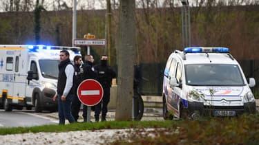 Un homme armé d'un couteau a attaqué des passants ce vendredi 3 janvier dans un parc de Villejuif