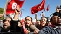 Des dizaines de milliers de personnes ont manifesté samedi dans le centre de Tunis pour soutenir le parti islamiste Ennahda, qui dirige le gouvernement, dix jours après l'assassinat de l'opposant de gauche Chokri Belaïd. /Photo prise le 16 février 2013/RE