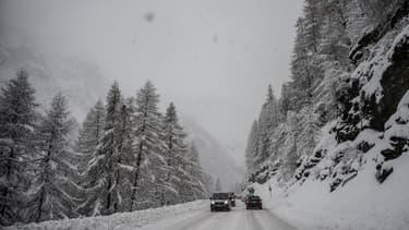 Une route entre Val d'Isère et Tignes (photo d'illustration)
