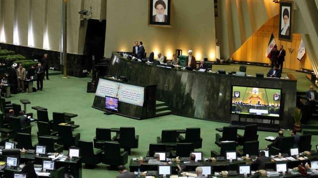 Des députés iraniens assistent à une session parlementaire, le 1er mars 2016, à Téhéran.