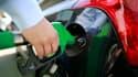 Le litre de gazole, carburant le plus vendu en France avec environ 80% des volumes, valait en moyenne 1,56 euro.