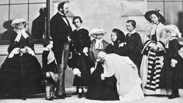 Victoria, Albert et leurs neuf enfants, en 1857