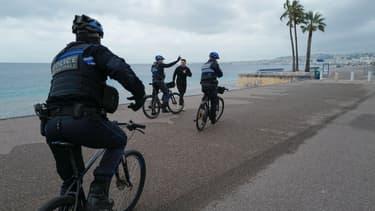 Nice et Dunkerque inaugurent samedi une nouvelle variante de restrictions sanitaires, le confinement les samedi et dimanche