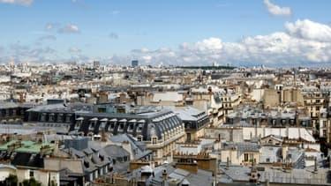 Les prix de l'immobilier à Paris devraient baisser sous la barre des 8.000 euros le mètre carré, selon les notaires.