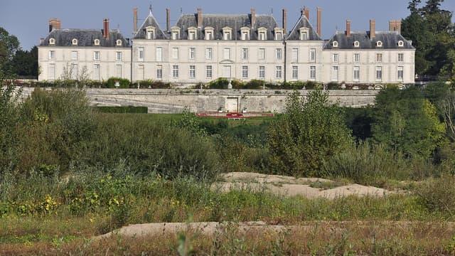 Le château de Menars est situé sur la commune de Menars dans le département de Loir-et-Cher.