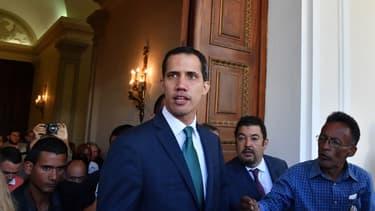 Juan Guaido, chef de l'opposition et président autoproclamé par intérim arrive le lundi  4 février 2019 au Palais fédéral législatif à Caracas.
