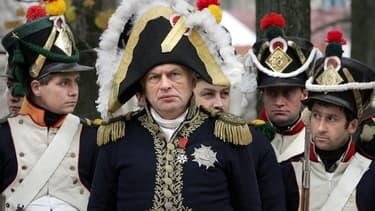 Le célèbre historien russe Oleg Sokolov lors d'une reconstitution de bataille napoléonienne de 1812, le 23 octobre 2005
