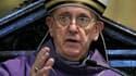"""Lors d'une prière à la basilique Saint-Pierre de Rome dimanche, le pape François a dénoncé les """"abus"""" faits aux enfants."""