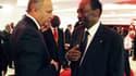 Laurent Fabius et Dioncounda Traoré, président intérimaire du Mali, en Côte d'Ivoire. A Abidjan, les chefs d'Etat de la Communauté économique des Etats de l'Afrique de l'Ouest ainsi que la France, représentée par le ministre des Affaires étrangères, ont i