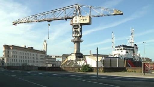 Les chantiers navals STX de Saint-Nazaire sont désormais officiellement à vendre.