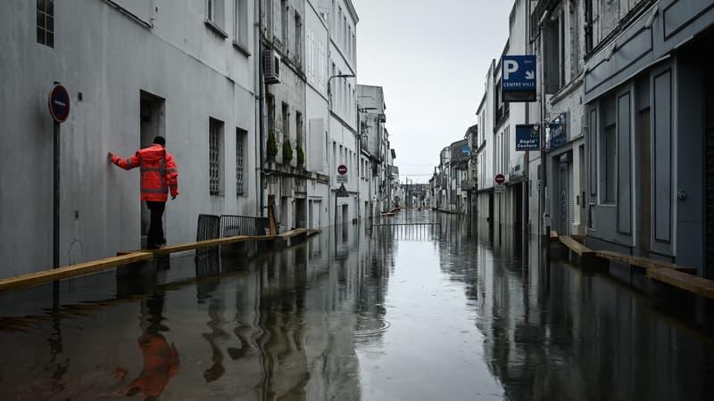 Inondations: à Saintes, la Charente a atteint son pic, décrue attendue à partir de mardi