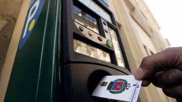 Un Français sur trois reconnait ne pas payer son stationnement quand il gare sa voiture. Cette proportion grimpe même à 44% chez les conducteurs de 25 à 34 ans.