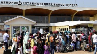 L'aéroport de Bangui, en Centrafrique, pris d'assaut par des Tchadiens le 25 décembre 2013