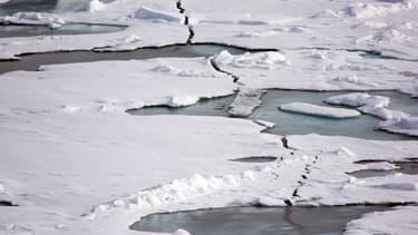 De la glace en train de fondre (Photo d'illustration).
