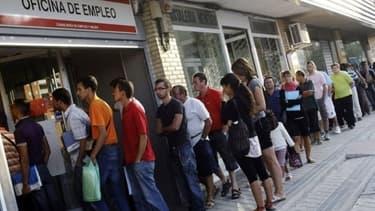 En Espagne, le taux de chômage bat des records, mais il a connu un recul au mois d'avril.