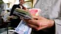 Selon un rapport britannique, le groupe Etat Islamique toucherait 20 millions de dollars par mois en jouant sur le marché des devises... et notamment en spéculant sur la hausse du dollar.