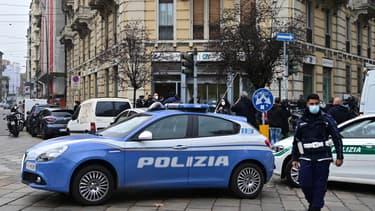 Une voiture de police à Milan, en Italie, le 3 novembre 2020. (Photo d'illustration)