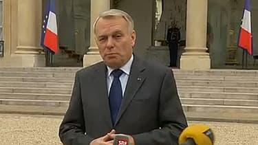 Jean-Marc Ayrault fait une déclaration sur l'accord sur l'emploi à l'Elysée le 6 mars 2013.