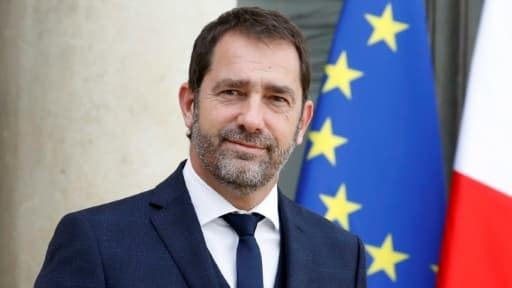 Le porte-parole du gouvernement Christophe Castaner quittant l'Elysée après un conseil des ministres le 4 octobre 2017