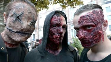 Des jeunes déguisés en zombie le 19 septembre 2015 à Strasbourg