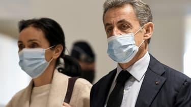 L'ancien président Nicolas Sarkozy et son avocate Me Jacqueline Laffont arrivent au tribunal de Paris, le 10 décembre 2020