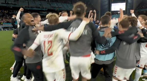 Les Danois exultent à l'annonce du résultat de Belgique-Finlande