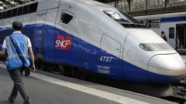 Un TGV en gare - Illustration