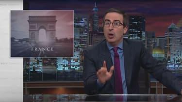 """L'humoriste britannique John Oliver, lors de son émission """"Last Week Tonight"""", samedi, sur HBO."""
