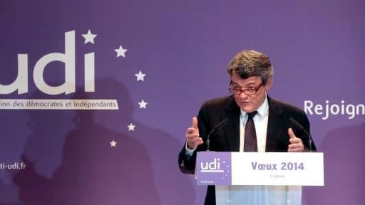 Jean-Louis Borloo et l'UDI misent sur la déduction fiscale que procurent les dons aux partis politiques.