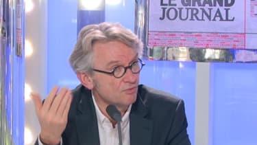 Jean-Claude Mailly annonce, ce vendredi 1er février, sur le plateau de BFM Business, sa volonté d'agir contre l'accord sur l'emploi