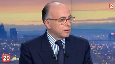 Le ministre de l'Intérieur, Bernard Cazeneuve, sur le plateau de France 2, mardi 22 avril 2014