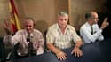 De gauche à droite, Omar Ruiz, Ricardo Gonzalez et Jose Luis Garcia, trois des six prisonniers politiques libérés par Cuba, lors d'une conférence de presse à l'aéroport de Madrid. Un premier groupe de six prisonniers politiques est arrivé en Espagne dans