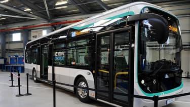 En accord avec le STIF (syndicat des transports d'Ile-de-France), la RATP exploite une ligne 100% électrique avec des bus standard sur la ligne 341, en conditions réelles.