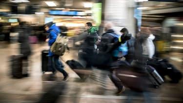 Les voyageurs français paient cher leur billet de train.