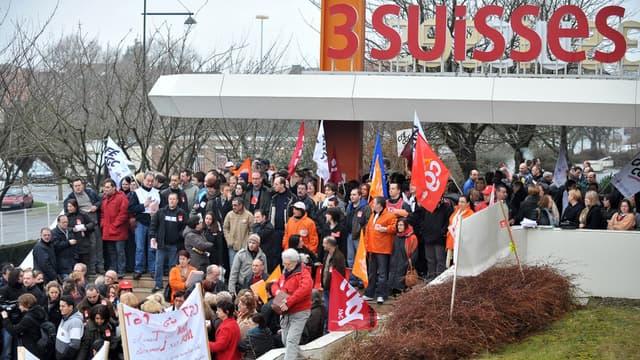 674 licenciements avait été annoncé au sein des 3 Suisses en février 2009, ce qui avait donné lieu à une manifestation le 24 février 2009 à Croix, au siège de l'entreprise.