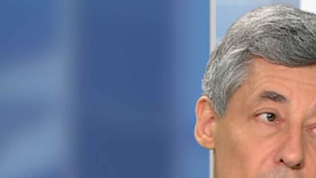 Henri Guaino se lance dans la course à la présidentielle;