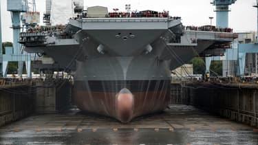 Ce porte-avions a déjà coûté 12,9 milliards de dollars à l'armée américaine et son entrée en service est sans cesse repoussée.