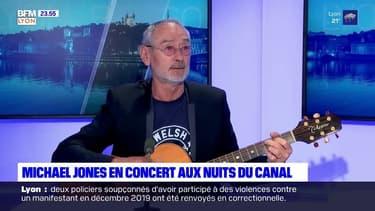 """Michael Jones interprète """"Je te donne"""" sur le plateau de BFM Lyon"""