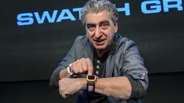 Nick Hayek, patron de Swatch Group, arborait sa Swatch intelligente lors de sa conférence annuelle de bilan qui se tenait en Suisse dans les locaux de Swiss Timing.