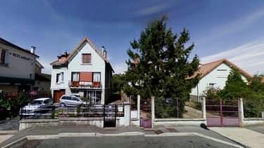 Une mère et son fils ont été retrouvés égorgés dans un logement de Brétigny-sur-Orge, dans l'Essonne.