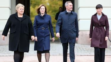 De gauche à droite: la Première ministre norvégienne, la ministre des Affaires européennes, le ministre de la Défense et la ministre des Affaires étrangères