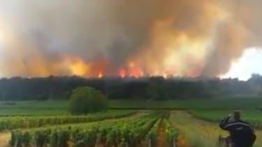 Incendie sur le plateau de Chenôve en Côte-d'Or le 20 juillet 2015.