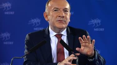 Pierre Gattaz a cosigné une tribune en faveur d'une réforme du système des services à la personne.
