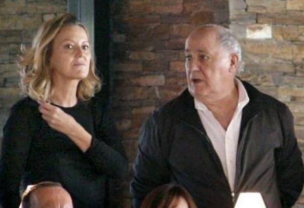 Avec se seconde femme Flora avec qui il s'est marié en 2001.